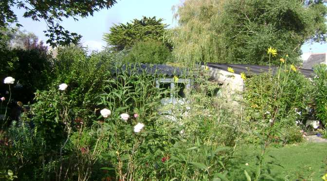 A Weekend Cottage Garden in Camaret