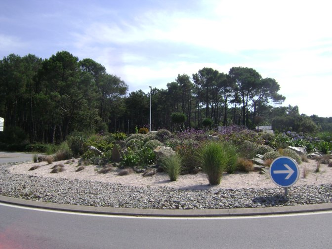 Unusual Japanese Rock Garden Roundabout in France