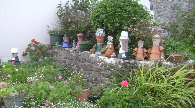 """Crafty"" Country Garden in a Small Brittany Village"