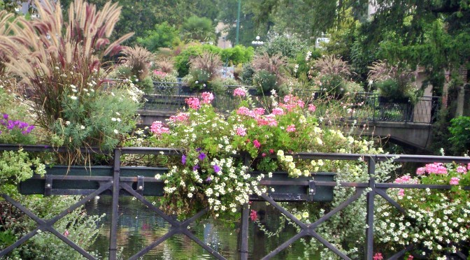 Quimper Bridges, Container Gardening and Planters