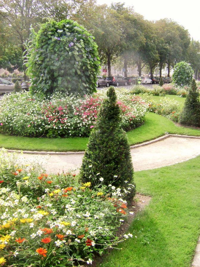 A Formal French Garden in Historic Quimper