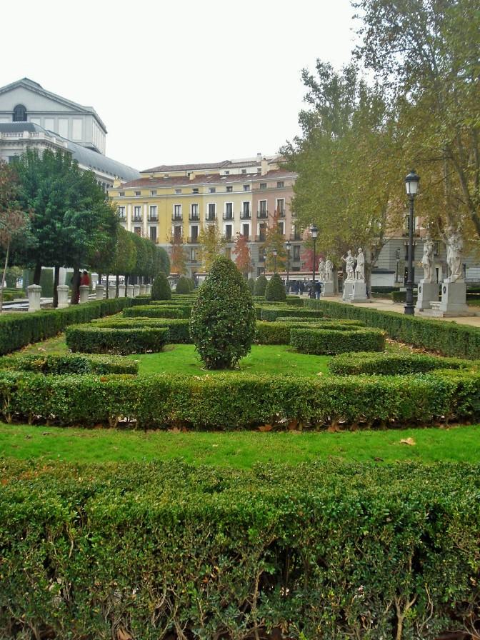 Madrid's Palacio Real/Royal Palace Gardens