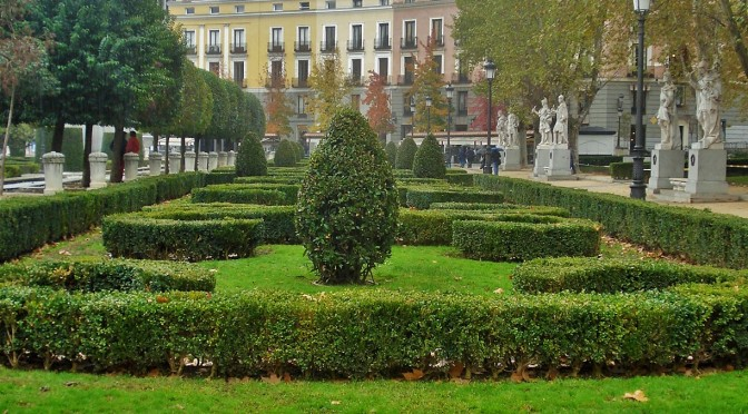 Madrid's Palacio Real/Royal Palace Gardens