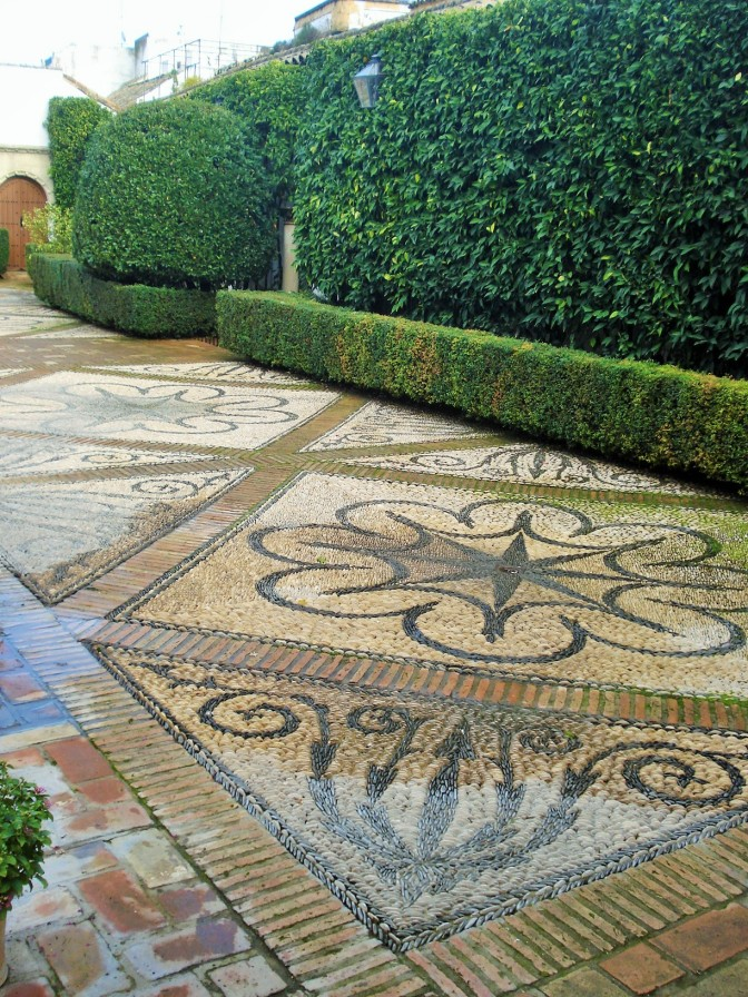 More Pebble Designs & Patio Flooring Ideas from the Courtyards of Spain