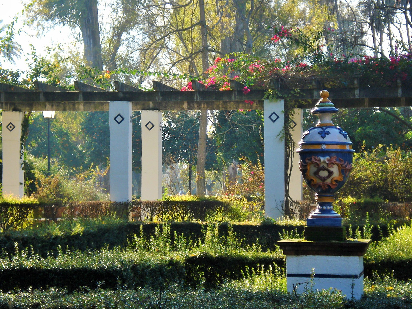 Gardens By Maria: Maria Luisa Park In Sevilla: The Garden Of The Lions